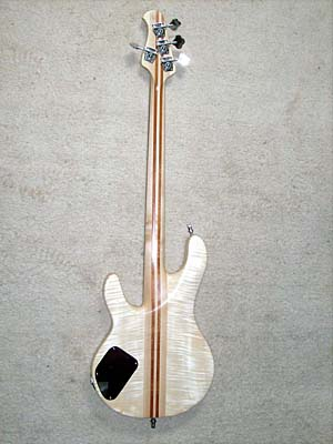 Completed Bass in natural satin nitro celulose